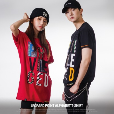[S11031] LEOPARD POINT ALPHABET T-SHIRT